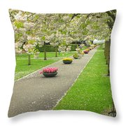 Keukenhof Gardens 32 Throw Pillow