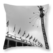 Kopenhavn De Tivoli Gardens 32 Throw Pillow
