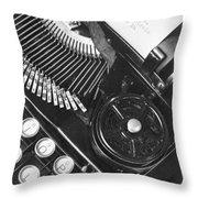 La Tecnica - The Typewriter Of Julio Throw Pillow