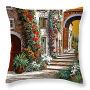 L'altra Porta Rossa Al Tramonto Throw Pillow