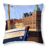 Landskrona Se 204 Throw Pillow