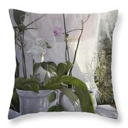 Le Orchidee Sfumate Throw Pillow