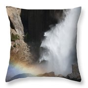 Light And Water - Yosemite Falls Throw Pillow