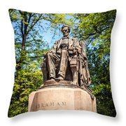 Lincoln Head Of State Statue In Chicago Throw Pillow