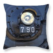Lokomotive No 790 - Illinois Central Throw Pillow