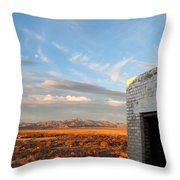 Looking Northward Throw Pillow