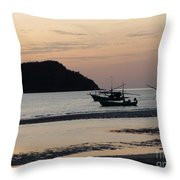 Low Tide 02 Throw Pillow