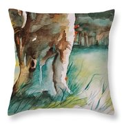 Majestueux Throw Pillow