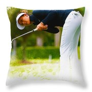 Michelle Wie  Putt On The Tenth Green Throw Pillow