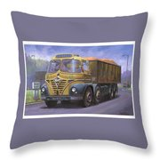 Mickey Mouse Foden. Throw Pillow