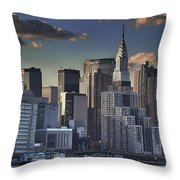 Mid Manhattan In Hdr Throw Pillow