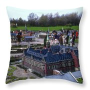 Miniature Friedenspalast Throw Pillow