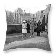 Miniature Golf In Ny City Throw Pillow
