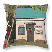 Mississippi Christmas 4 Throw Pillow