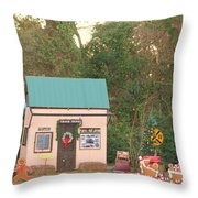 Mississippi Christmas 5 Throw Pillow