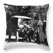 Model T Ford, 1919 Throw Pillow