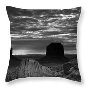 Monument Valley 001 Throw Pillow