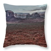 Monument Valley Ut 4 Throw Pillow