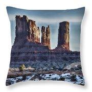 Monument Valley -utah V17 Throw Pillow