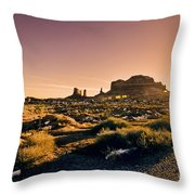 Monument Valley -utah V7 Throw Pillow