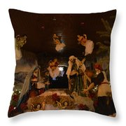 Navidad Throw Pillow