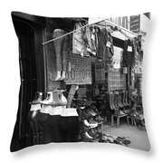 New York Street Photography 7 Throw Pillow