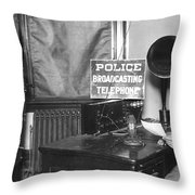 Nypd Radio Station, Wlaw Throw Pillow