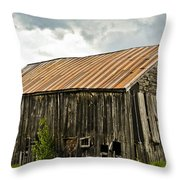 Old Maine Barn Throw Pillow