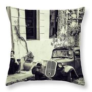 Oldtimer Ladies Retro Throw Pillow