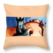 Orizontes Throw Pillow