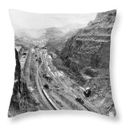 Panama Canal, 1913 Throw Pillow