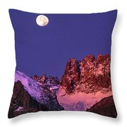 Panorama Moonset Middle Palisades Glacier Eastern Sierras California Throw Pillow
