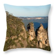 Panoramic Photo Of Blue Mountain And The Three Sisters Throw Pillow