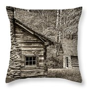 Pioneer Cabin And Shed In Cades Cove E227 Throw Pillow
