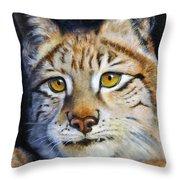 Pointed Advantage - Siberian Lynx Throw Pillow