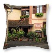 Restaurant Suzel Throw Pillow