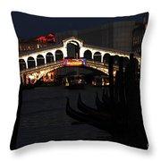 Rialto Bridge Appeal Throw Pillow