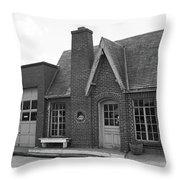 Route 66 - Chandler Oklahoma Gas Station Throw Pillow