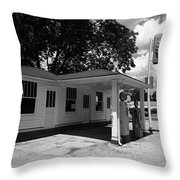 Route 66 - Soulsby Service Station Throw Pillow