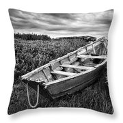 Rowboat At Prospect Point - Black And White Throw Pillow