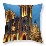 San Fernando Cathedral And Christmas Tree Main Plaza - San Antonio Texas Throw Pillow