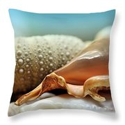 Sept Doigts Throw Pillow