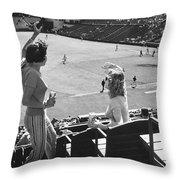 Sf Giants Fans Cheer Throw Pillow