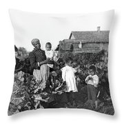 Sharecropper Family, 1902 Throw Pillow