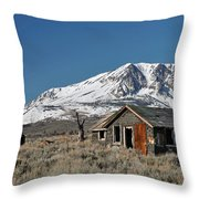 Sierra Nevadas 19 Throw Pillow
