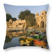 Skn 1392 A Tourist Site Throw Pillow