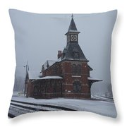Snowing Point Of Rock Throw Pillow