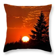 Spectacular Sunset IIl Throw Pillow