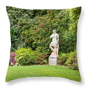 Spring Flower Blooms At The North Vista Lawn Of The Huntington Library. Throw Pillow