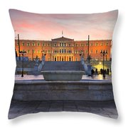 Square With A Fountain Throw Pillow